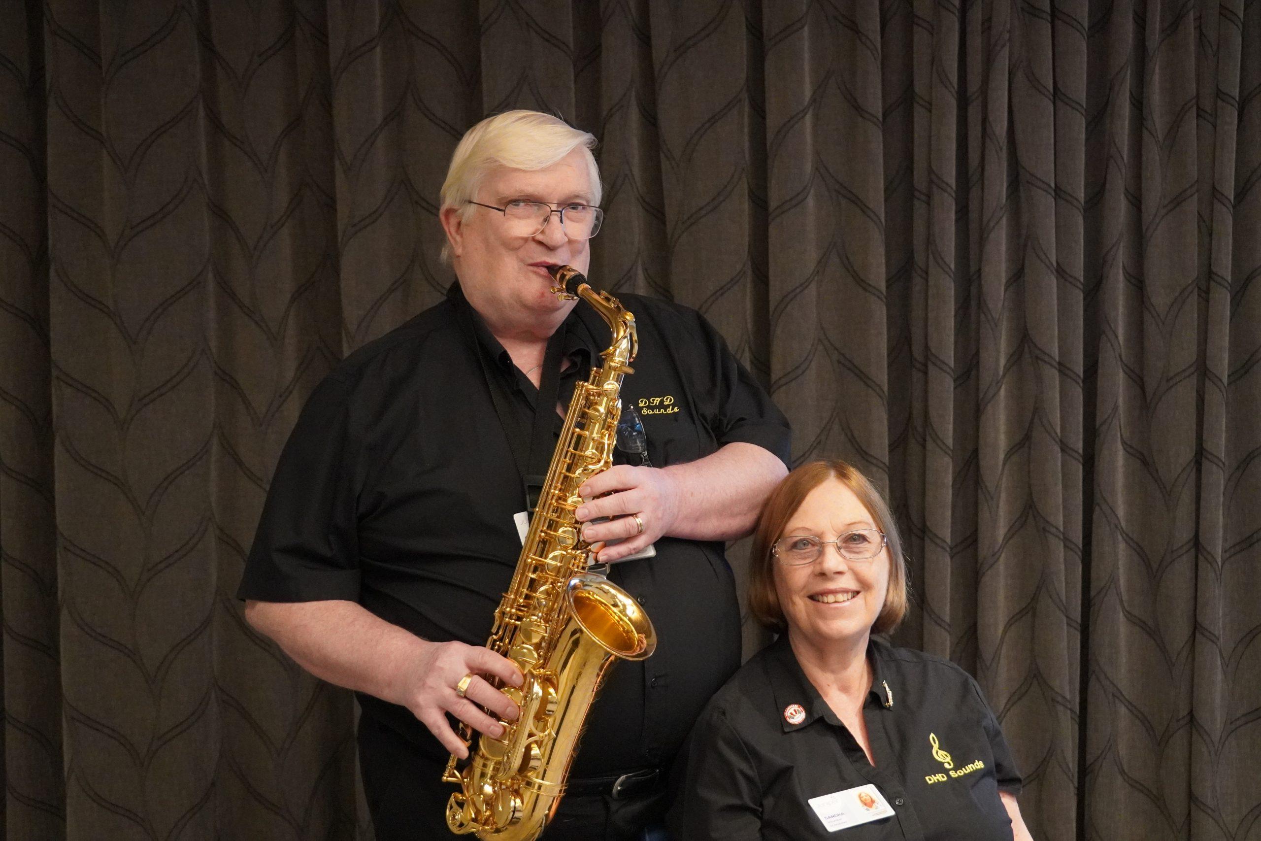 Volunteer-playing-saxophone